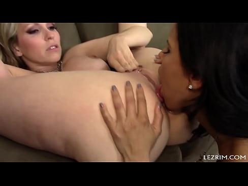 Порно большим лучшие порно актрисы в жанре лесби спортивной внешностью